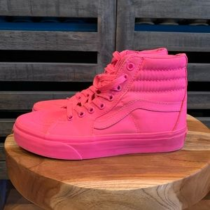 Vans women's size 5 or youth 4.5.